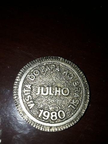raro medalhão 1980 da primeira visita do papa João Paulo 2 - Foto 2