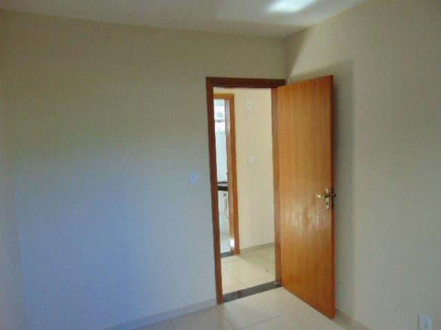 Excelente apto com área privativa de 2 quartos B. Candelária. - Foto 4