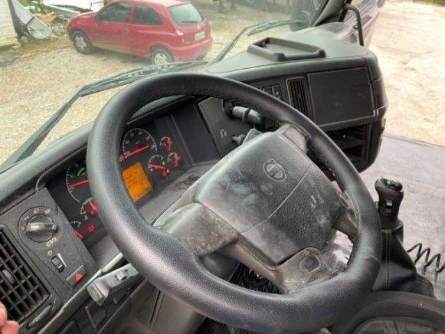 Volvo Fh 420 ano:05,branco,único dono,trucado 6x2,ótimo estado. - Foto 19