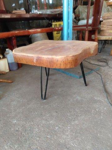 Mesa de madeira de jaqueira com ferro