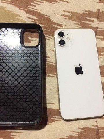 iPhone 11 branco 64GB