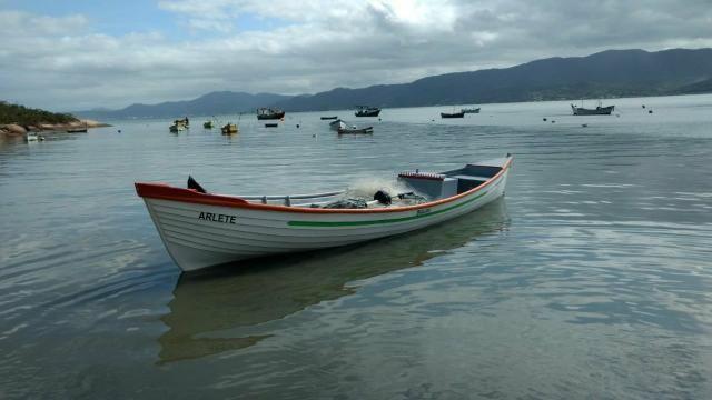 Ocker Fibras (Barcos em fibra)