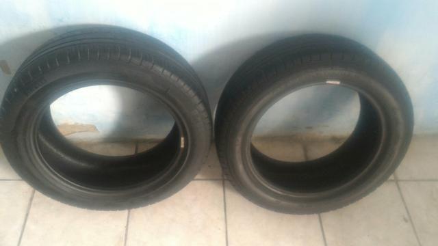 Dois pneu Pirelli 205 55 R16 seminovo