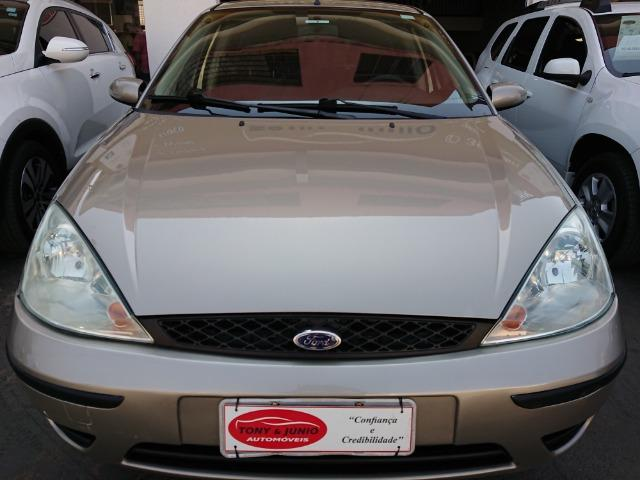 Ford Focus Hacht GLX 1.6 2004 - Foto 6