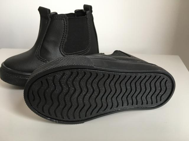 2 sapatos infantis TAM 20 por 30,00 - Foto 6