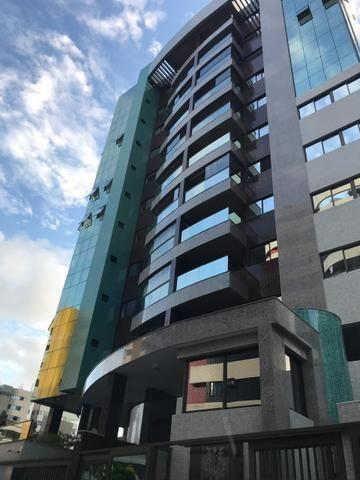 Apartamento com 185 metros com 3 suítes + lavabo na ponta verde