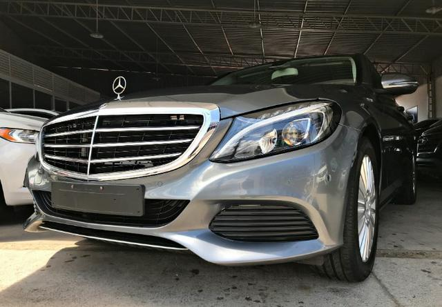 Mercedes Benz C180 Exclusive 1.6 Turbo. Cinza 2017/2018 - Foto 2
