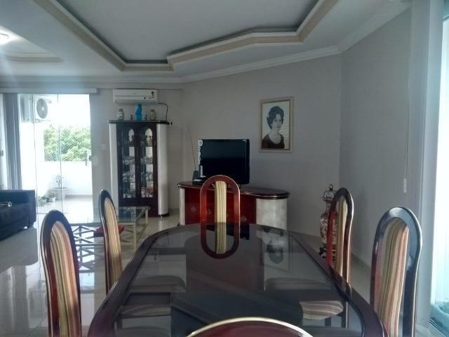 Alugo Lindo Apartamento Mobiliado com 4 Quartos e Suite em Aleixo