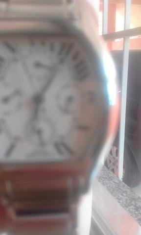 1557af5ef24 Relógio CarTier Paris - Bijouterias