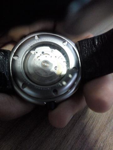 5d73b6e9a4b Vendo relógio Momo design suico automático - Bijouterias