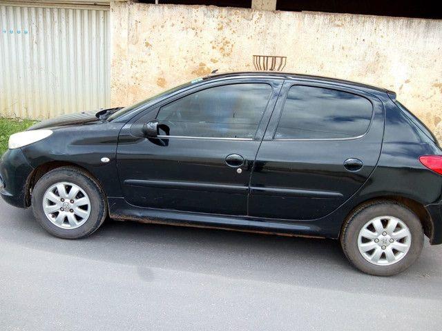 Vendo um Peugeot 207 ano 2010 - Foto 2
