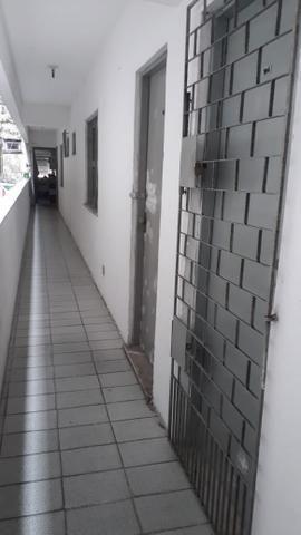 Quitinetes Av Tristão Gonçalves/Água inclusa - Foto 2