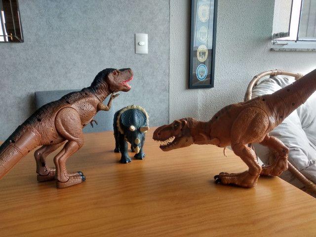 TRÊS Dinossauros !!!