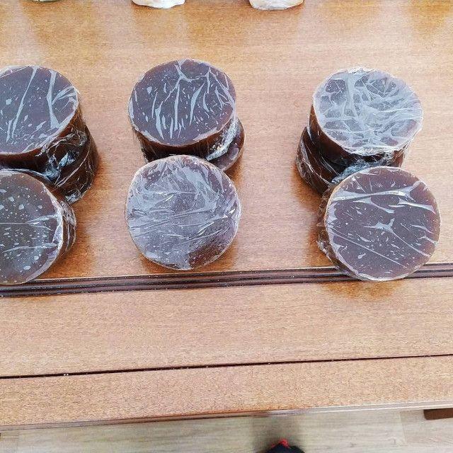 Queijos cozidos, requeijão de barra, trancinha cozida e geleia de mocotó. - Foto 4