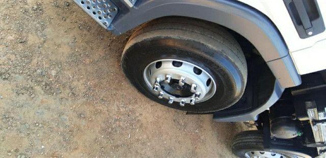Mercedes Benz Mb Atego 2428 Bitruck Carroceria Graneleira - Foto 13