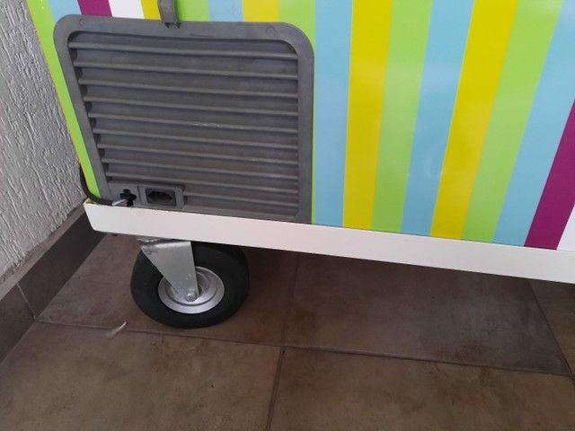 Freezer com rodízio maciço  - Foto 3