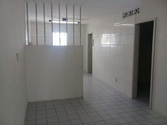 Apartamento com 3 dormitórios para alugar por R$ 750/mês - Foto 4