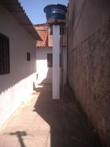 Vendo casa na qc 04 do riacho Fundo II - Foto 8