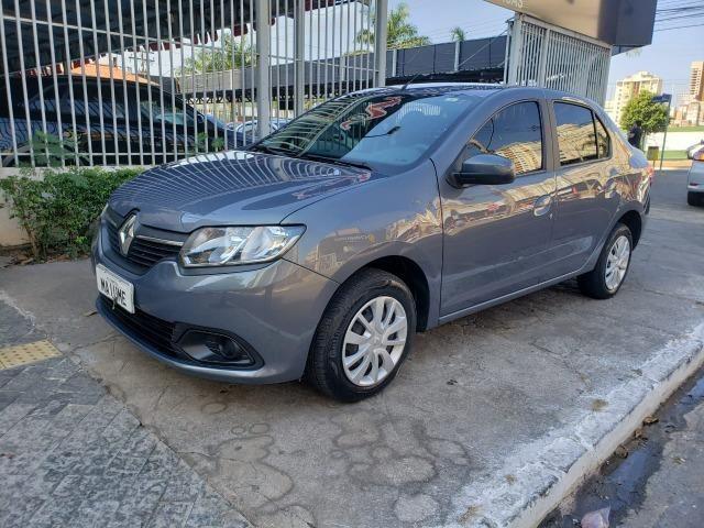 Renault Logan Expression 1.6 16/16 flex mec. cinza