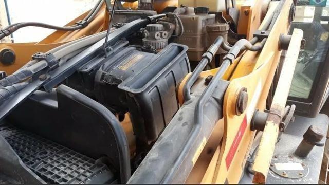 Máquina retroescavadeira JCB Traçada 2012 - Foto 3