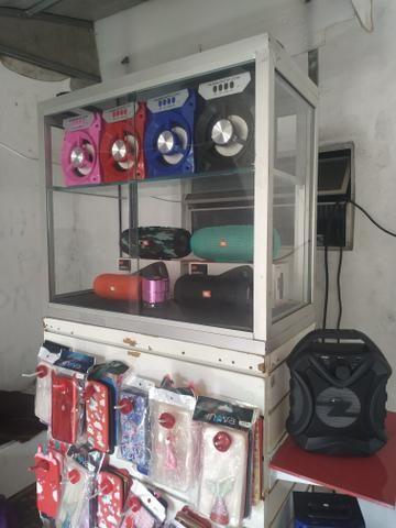 Vendo banca quiosque com vitrine toudo gaveta portão de tranca prateleiras toda completa - Foto 3