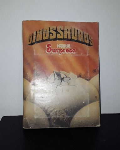 Álbum De Figurinhas Dinossauros Nestlé Surpresa - Completo com 30 figurinhas <br><br>