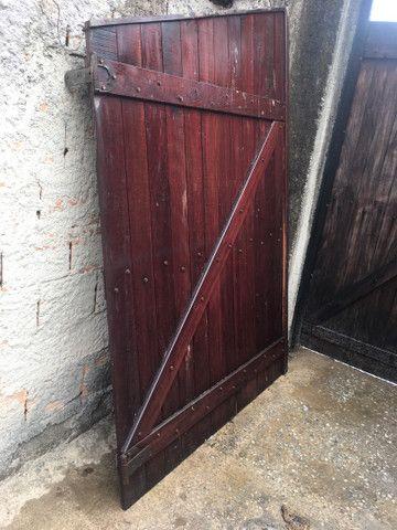 Portão e janela de madeira  - Foto 2