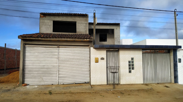 Casa com primeiro andar - Foto 14