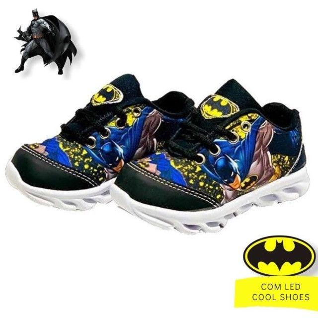 Tênis infantil com luzes de led do Batman