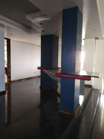 Condomínio Portal das Mansões Luxuoso - 6 quartos sendo 4 suítes - Av.getulio vargas   - Foto 17