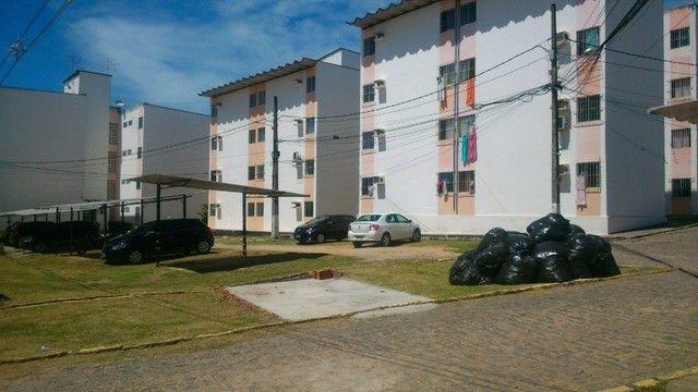 Apto. 02 qtos. Cond. Fechado no Rio Doce - Foto 2