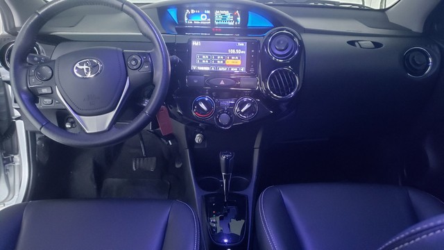 Toyota Etios SD XLS.15 AUT 2017 - Foto 9