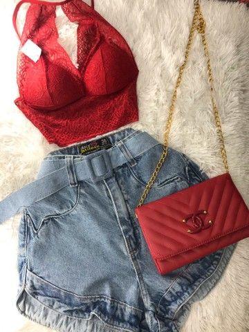 Conjunto de cropped e bermuda jeans com cinto a pronta entrega  - Foto 3