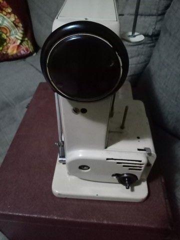 Máquina antiga de costura - Foto 3