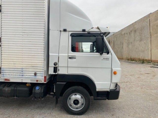 Vw-9.160 Delivery ano:14,branco,com baú furgão de alumínio de 6,20 mts, ótimo estado  - Foto 4