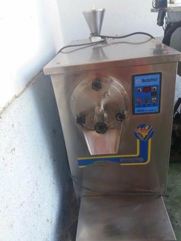 Vende-se 3 máquinas de sorvete