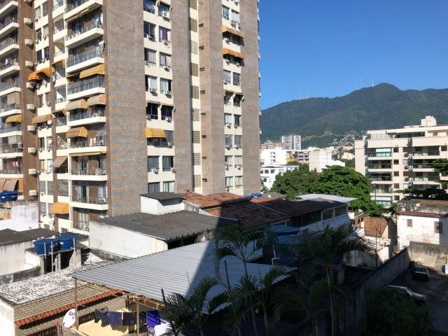 Excelente Apto Vazio amplo 02qts dependência 02vagas portaria elevador Vila Isabel - Foto 3