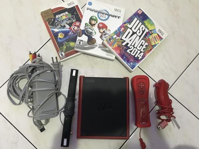 Wii mini mais 3 jogos originais