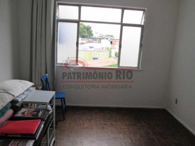 Apartamento no Centro de Vista Alegre, 2 Quartos + Dependência Completa