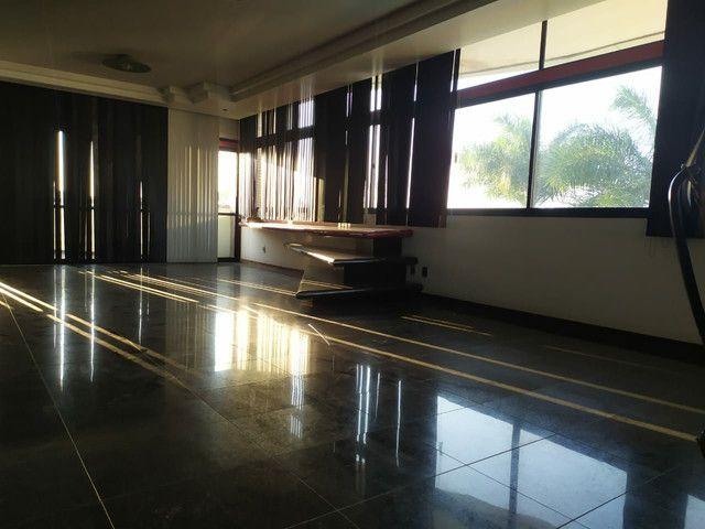 Condomínio Portal das Mansões Luxuoso - 6 quartos sendo 4 suítes - Av.getulio vargas   - Foto 18
