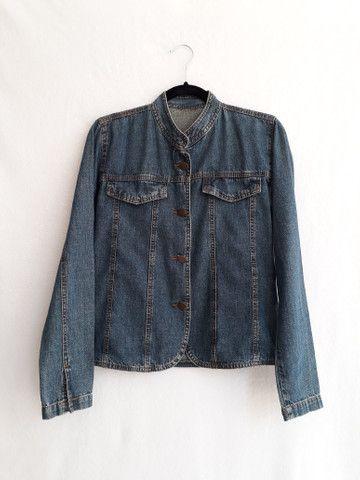 Jaqueta jeans feminina gola mandarim importada da itália - BRECHÓ PASSIONE