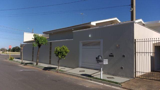 Casa de 3 quartos, 3 banheiros e 3 Garagens em Buritama - SP - Foto 3