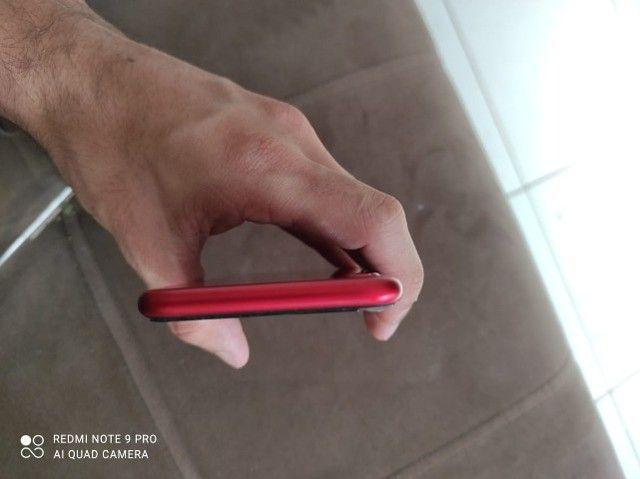 Iphone 8 Red, 256gbs único dono, muito bem conservado. - Foto 3