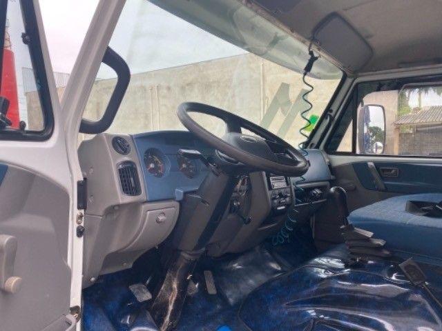 Vw-9.150 delivery ano:11,branco,com carroceria boiadeira de 6,20 mts,ótimo estado  - Foto 12