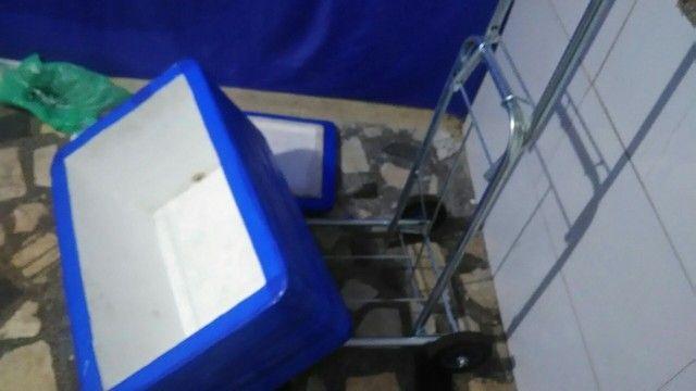 Carrinho de carga do grande e caixa de isopor Grande Nova. 150 reais - Foto 2