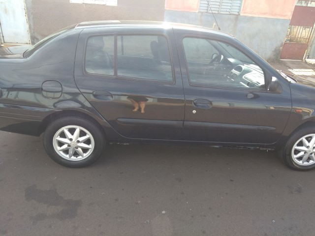 Renault Clio Sedan 2003 1.0 - Foto 3