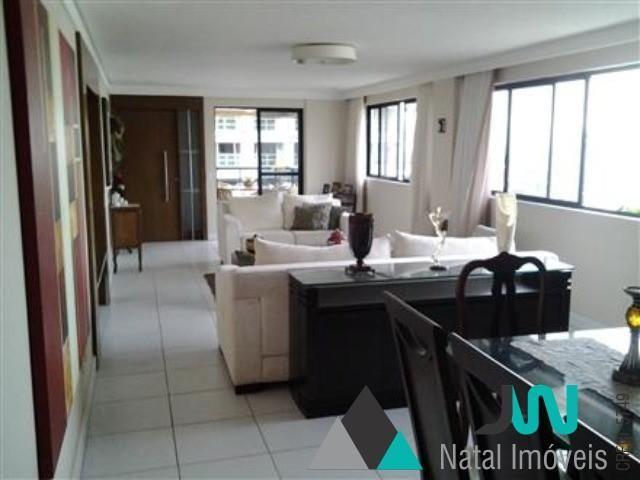 Apartamento em Petrópolis com 4 suítes.
