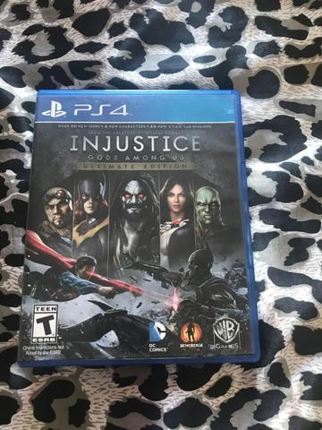 Vendo jogo INJUSTICE PS4