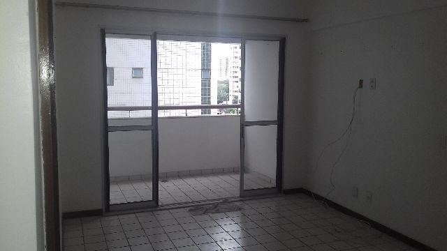Apartamento em Boa Viagem com 3 quartos,1 suíte, 100m2,varanda e área de lazer
