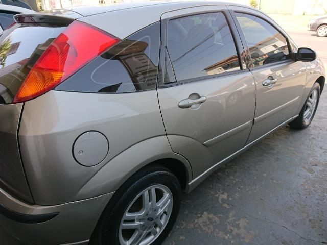 Ford Focus Hacht GLX 1.6 2004 - Foto 2